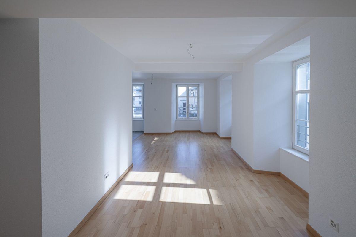 Zauberhafte 2½-Zimmer-Wohnung im Zentrum von Hallau sucht Stockwerkeigentümer