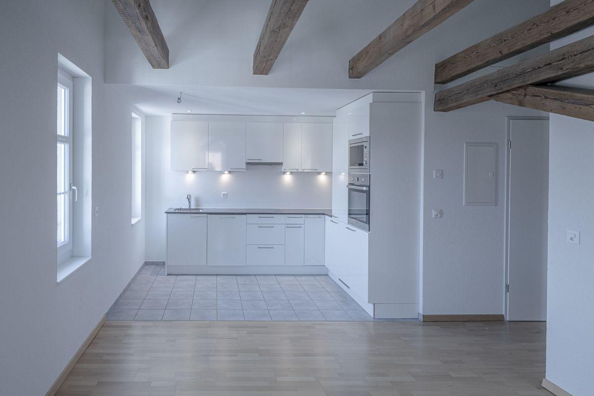Verspielte, moderne 3½-Zimmer-Wohnung im Zentrum von Hallau sucht Eigentümer