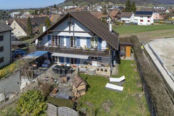 6½-Zimmer-Einfamilienhaus mit 2-Zimmer-Einliegerwohnung an sonniger, ruhiger Lage im Herzen von Beringen, 8222 Beringen, Einfamilienhaus